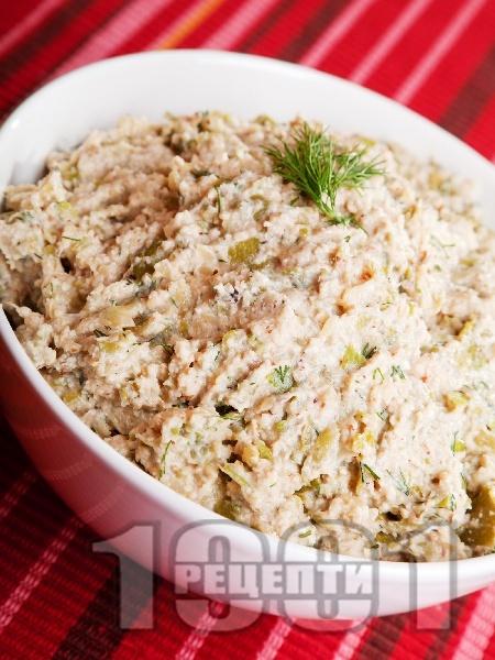 Разядка с тиквички и орехи - снимка на рецептата